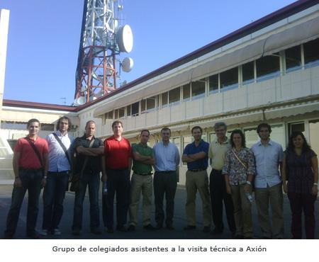 Grupo de colegiados asistentes a la visita técnica a Axión