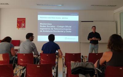 """Las redes sociales protagonistas de la primera formación del """"curso escolar"""" del COITAOC"""