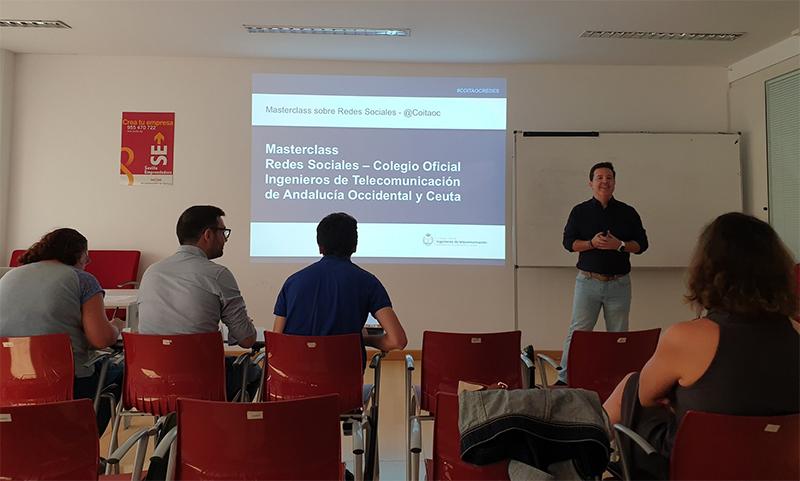 Las redes sociales protagonistas de la primera formación del «curso escolar» del COITAOC