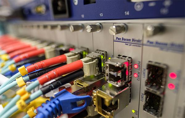 Últimas plazas. Curso On-Line de Proyectos de Despliegue de Redes de Fibra Óptica